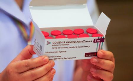 nghien-cuu-moi-vaccine-astrazeneca-va-vaccine-pfizer-co-hieu-qua-tot-ke-ca-voi-bien-the-delta-377.html